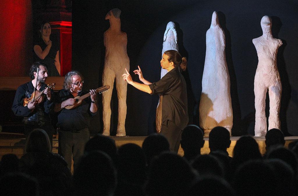 Free Bach: la cantata de los campesinos según La Fura dels Baus
