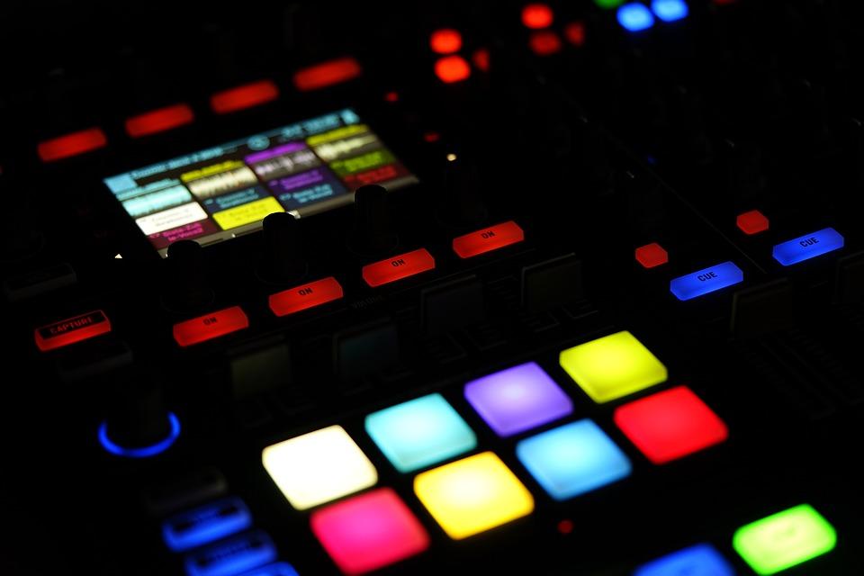 Apuntes sobre presencia y auras frías en la música digital