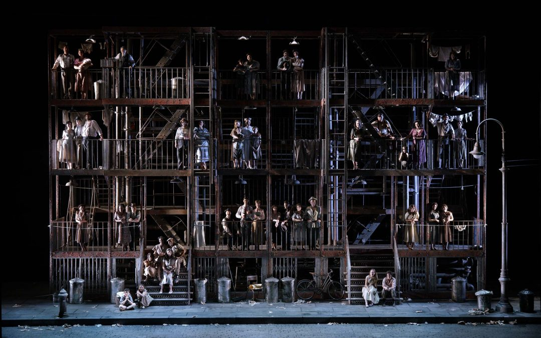 "¿Ópera o musical? ""Street Scene"" de Kurt Weill en el Teatro Real"