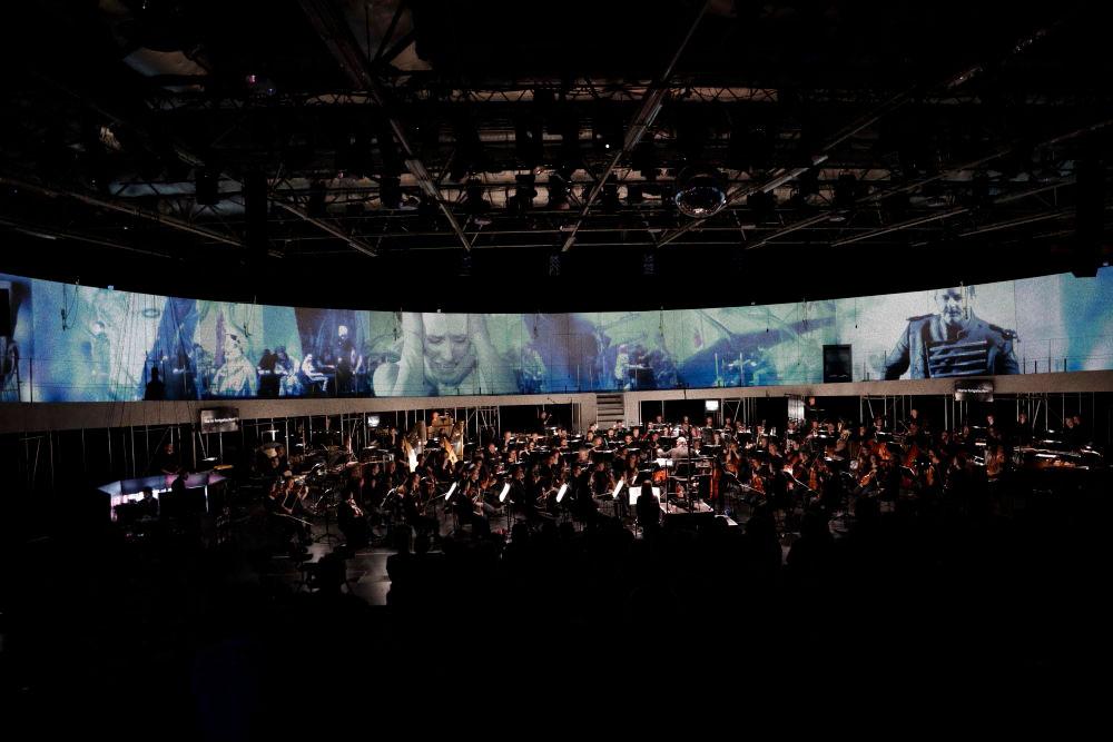 El espacio circular (de las mujeres): Die Soldaten, de B. A. Zimmermann, en la ópera de Köln